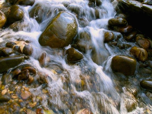 wateroverrocks.jpg